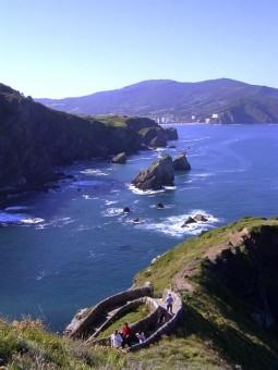 San Juan de Gaztelugatxe - towards Bermeo