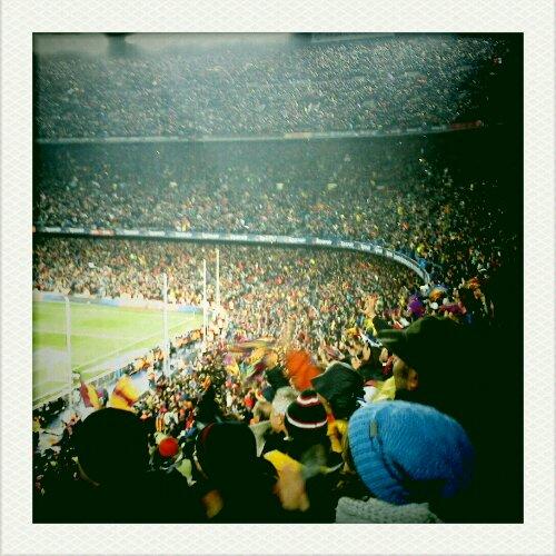 fc barcelona - tribunas- camp nou en el partido contra real madrid