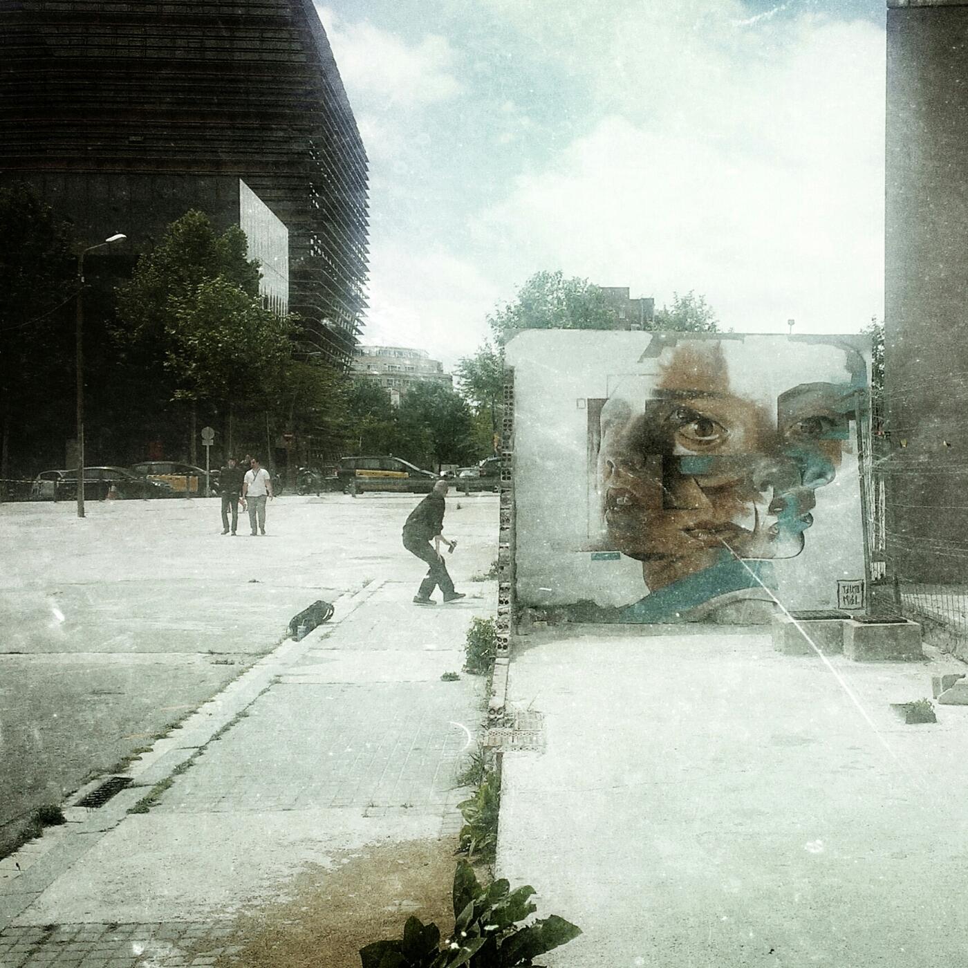 Tilki kılıklı graffiti ustası, 21.yy   #Barcelona #graffiti