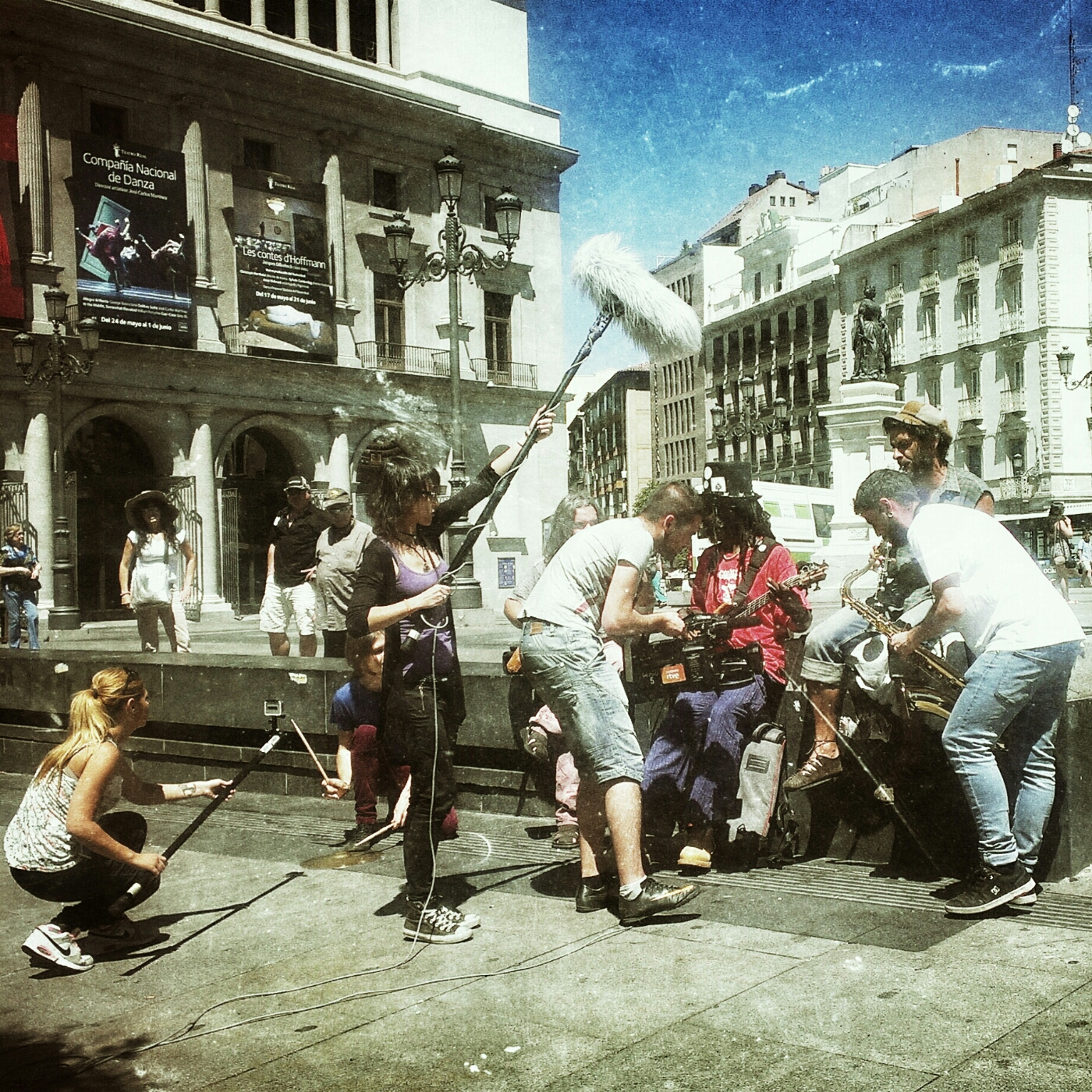Close up : Street music video shooting in Madrid / image